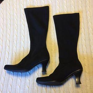 La Canadienne waterproof kitten heel pull on boot